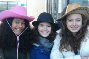 journee-chapeau